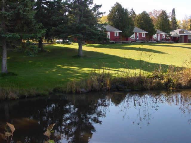Cabin_for_rent_in_Cornucopia_Wisconsin