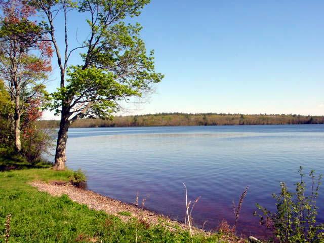 siskiwit_lake_campground_beach