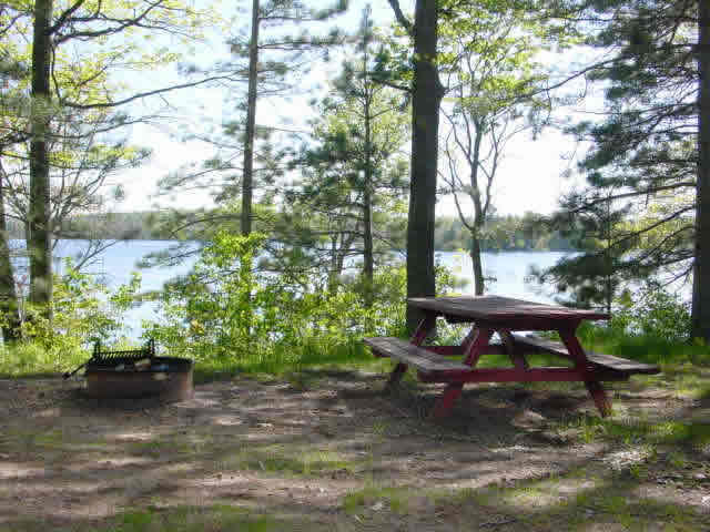siskiwit_lake_campgrounds_site1