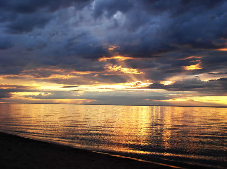 lake-superior-blue-gold-1