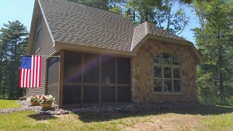 Herbster-cottageherbster-cottage-rental-herbster-wisconsin-front-view-on-lake-superior