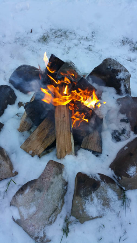 herbster-cottage-campfire-in-the-winter-snow